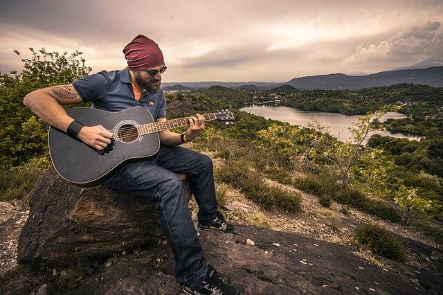 vida guitarra hombre