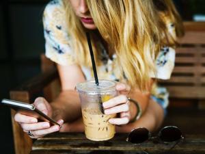 Cómo afectan las redes sociales en las emociones de los adolescentes