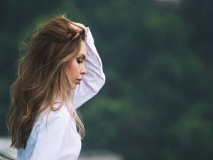 7 pensamientos negativos que limitan tu vida