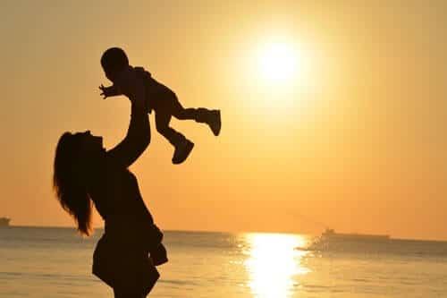 qué es la crianza respetuosa madre niño